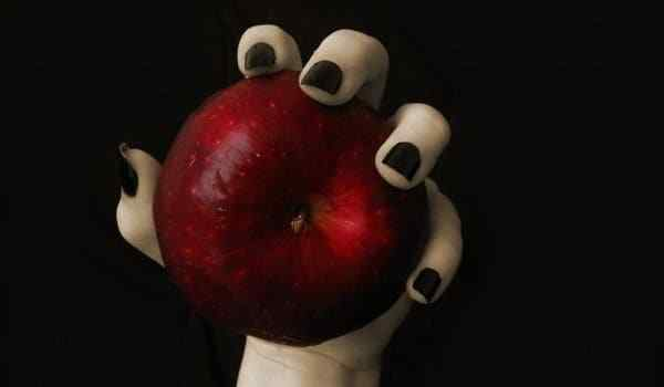 The spell on the apple - a selection of several options