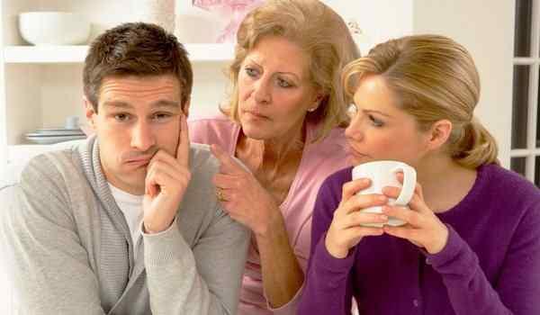 Отворот от матери поможет если муж находится под её сильным влиянием и это вредит вашему счастью