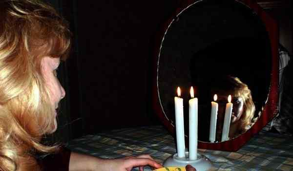 Christmas divination on the constricted