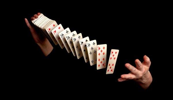 Гадание «Любит - не любит» - карточный пасьянс и обряд с ромашкой