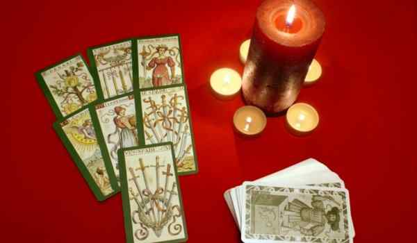 Gypsy divination on 10 cards will reveal the secrets of the past and the future