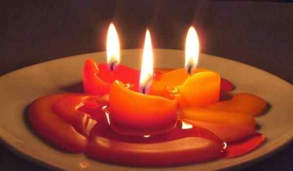 Гадание в домашних условиях: правила, со свечами, в Андреев день, на картах, в день рождения