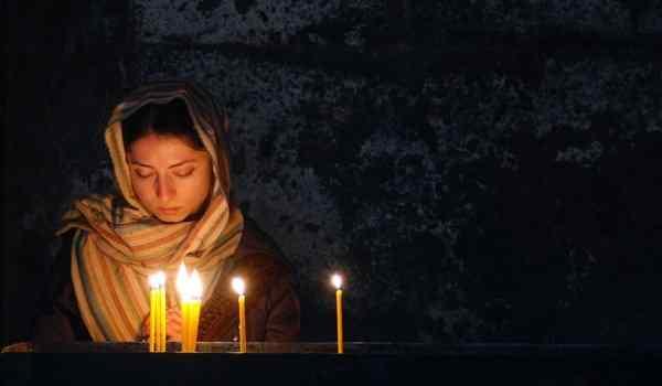 Псалом 90 молитва «Живый в помощи Вышняго»: тест молитвы на русском языке, для чего читают молитву, слушать видео молитву