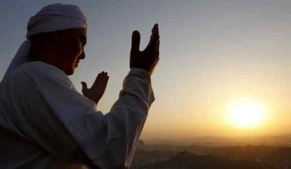 Молитва Аллаху: Кулху Аллаху, о Аллах помоги мне, восхваление Аллаха, текст молитвы