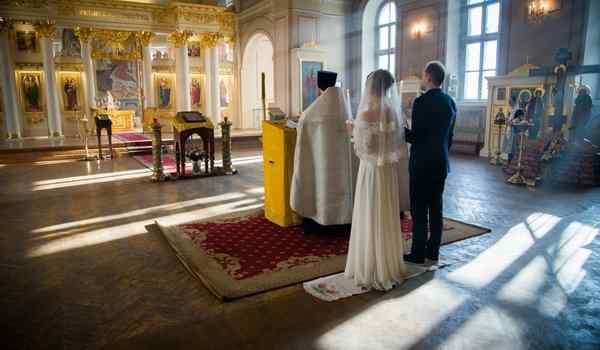 Молитва Матроне Московской: о здоровье, о исцеления, в замужестве, о беременности, о деньгах, о помощи в делах и работе