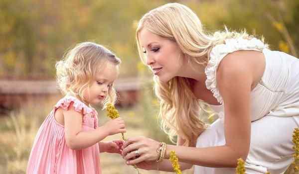 Молитва о дочери: сильная защита, материнская молитва