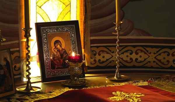 Молитвы на каждый день: мусульманские, православные, на торговлю, Оптинский старцев, Ангелу-Хранителю, читать, текст
