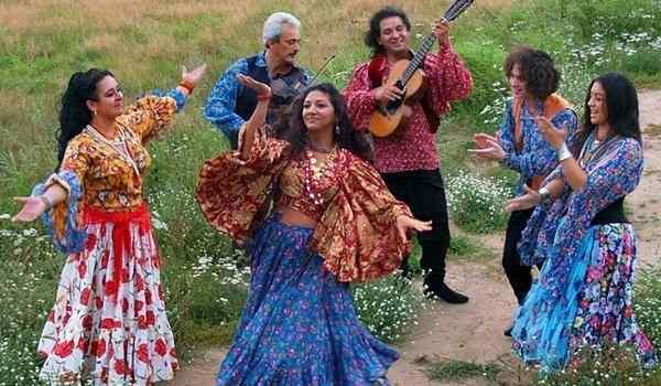 Dream book, what dreams of Roma: a man, a woman, a camp of Gypsies in a dream
