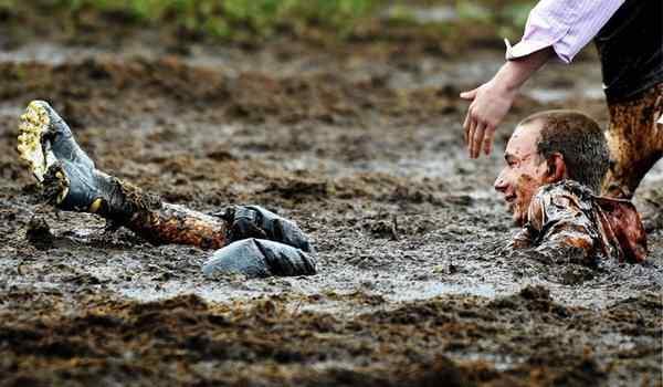 Dream Interpretation, what dreams of dirt: go through the mud, fall into the mud in a dream