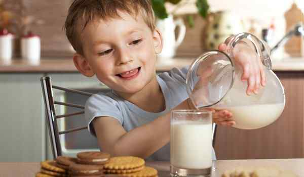 Dream interpretation, what dreams of milk: breast, cow, to feed the child with milk in a dream