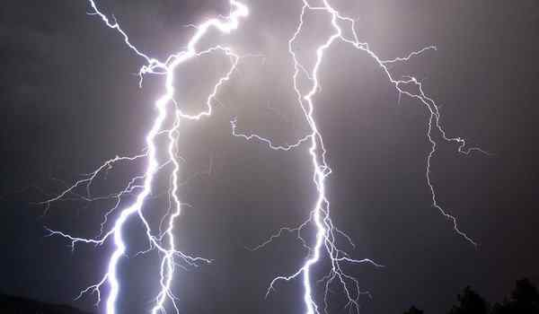 Dream interpretation, what dream of lightning: ball, without thunder, lightning in the sky in a dream