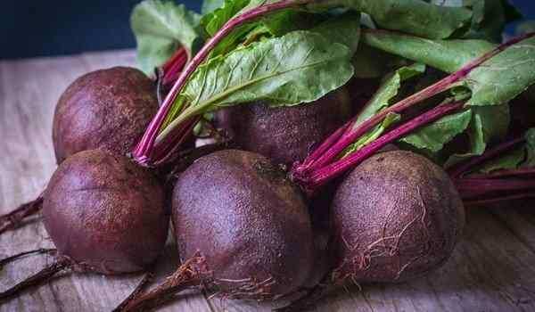 Why dream beets: red, fresh, beets in a dream to a woman
