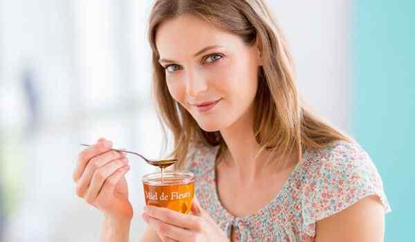 К чему снится кушать мед