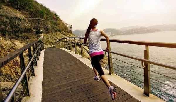 Бежать по мосту в сне