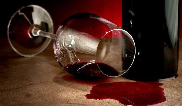 Пролить вино во сне